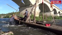 VIDÉO. 500 ans de la Renaissance et de Chambord : la périlleuse traversée des ponts d'Amboise en bâteau