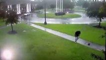 Il ne faut pas marcher sous un parapluie quand il y a de l'orage