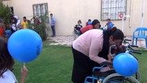 Kendisi de engelli olan Gamze, el emeği ürünleri satarak 72 engelli vatandaşa tekerlekli sandalye...