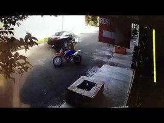 Joven se arroja de auto tras intento de secuestro en Texcoco