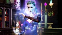 "THE SIMS 4 ""DLC Realm of Magic"" Bande Annonce"