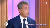 Nicolas Sarkozy rend hommage à Macron... et casse Hollande