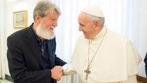 Le pape à la rencontre d'un de ses disciples à Madagascar : le père Pedro