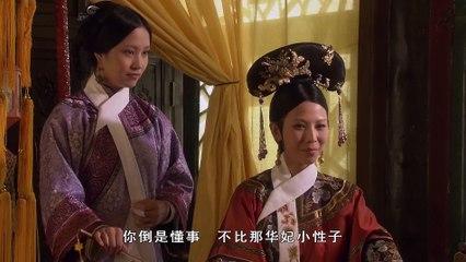 皇后用猫来试探甄嬛,暗示她越温顺的人越容易害人