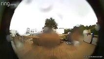 Sa maison emportée par l'ouragan Dorian filmé par la caméra de sa sonnette