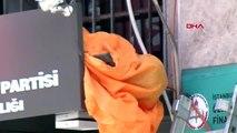 Fatih'te kablo döşeyen işçi elektrik akımına kapılarak hayatını kaybetti