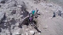 Des randonneurs échappent de peu à un glissement de terrain impressionnant