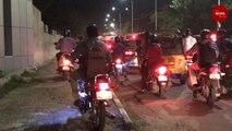 Riding on the footpath: A daily affair in Chennai's Kotturpuram #TakeDiversion