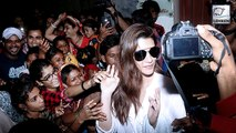 Kriti Sanon Mobbed By Fans Outside Dubbing Studio