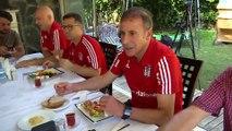 Beşiktaş Teknik Direktörü Avcı, basın mensupları ile bir araya geldi - İSTANBUL