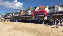 Des milliers de spectateurs ont suivi le triathlon