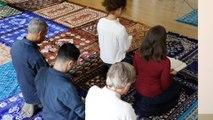 Une imame a dirigé la première prière musulmane mixte de France