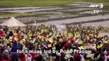 Madagascar: Pope arrives to deliver mass to vast crowd