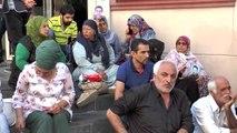 Oturma eylemi yapan Diyarbakır annelerine destek ziyareti
