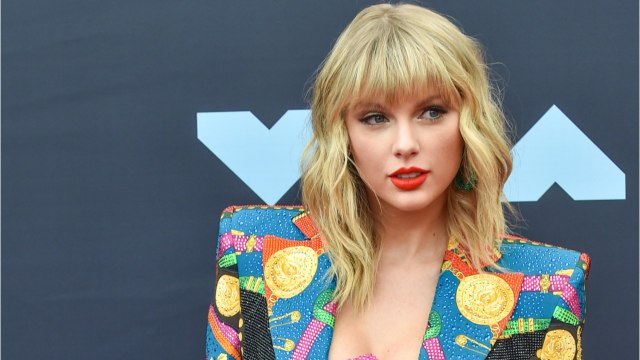 Lucky Taylor Swift Fans Treated To Exclusive Paris Concert