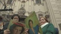 Fanáticos de Camilo Sesto lamentan la muerte de su ídolo