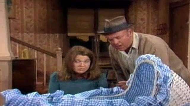 All In The Family Season 6 Episode 17 Archie The Babysitter