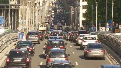 """Auto elettriche: produzione cresce ma per alcuni è """"l'effetto Bruxelles"""""""