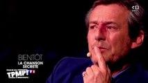 """Jean-Luc Reichmann en larmes durant l'émission """"La chanson secrète"""" diffusée sur TF1"""
