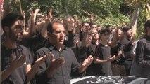 Las muestras de dolor y la superstición marcan en Irán la sagrada Ashura
