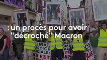 """""""On est plus angoissés par l'avenir que par nos casiers judiciaires"""" : une militante jugée pour le décrochage d'un portrait de Macron témoigne"""