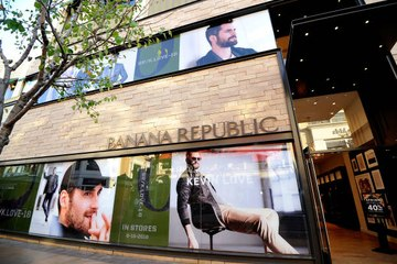 Banana Republic Will Start a Clothing Rental Service