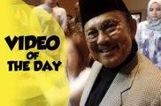 Video of the Day: BJ Habibie Tutup Usia, Tangisan Hijrah Elly Sugigi