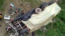 देखें वीडियो, दिल्ली से रामपुर जा रहे ट्रक में ड्राइवर को आई झपकी, मुरादाबाद में नदी के पुल से गिरा