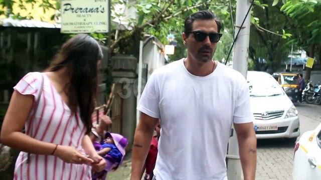 Arjun Rampal and daughter Mahika Rampal Spotted at Bandra | Watch Video