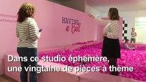 """La génération Instagram prend la pose à Londres dans une """"usine à selfies"""""""