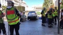 Insolite - Marseille : un automobiliste tente d'entrer dans un parking... par les escaliers !