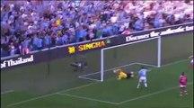 La célébration ultra provocante d'Adebayor contre Arsenal en 2009