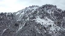 Chine: les premières neiges recouvrent la région de Tianchi, dans le nord-ouest du pays