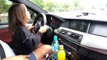 Il laisse sa fillette de 5 ans conduire sa BMW