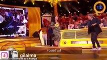 La chanteuse LIO dévoile une partie de sa poitrine sur France 3 !