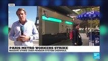 Paris metro workers strike: tourists enjoy Paris by bike