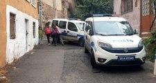İzmir'de domuz bağıyla bağlanan kadının yardımına polis koştu