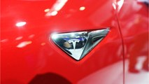 Tesla Airbags Didn't Inflate: Family's Model 3 Crashed