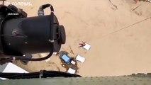شاهد: طائرة مروحية تنتشل مواطنين علقوا في الفيضانات جنوب شرق إسبانيا
