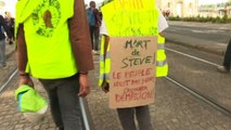 Francia, a Nantes tornano i gilet gialli: scontri e 18 arresti