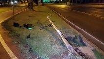 Semáforo de pedestre fica danificado após ser atingido por carro no Bairro São Cristóvão