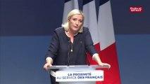 Marine Le Pen fixe le cap sur les municipales sans oublier 2022
