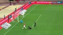 Slimani ramène un penalty (Monaco-Marseille)