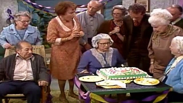 All In The Family Season 7 Episode 11 Mr Edith Bunker