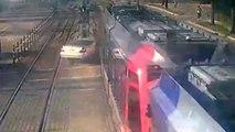 Une voiture presque écrasée par un train, la conductrice survit