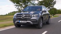 The new Mercedes-Benz GLE 350 de 4MATIC in Selenite grey Driving in the country