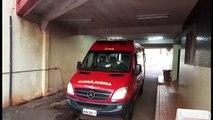 Vítima de acidente na marginal da BR-277 é levada para UPA Tancredo Neves