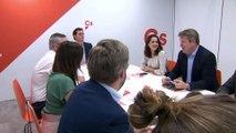 Rivera y Casado piden a Sánchez que se retrate si quiere su abstención