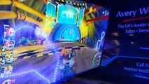 Un wagon de train fantôme devenu station de jeu vidéo PS4 !
