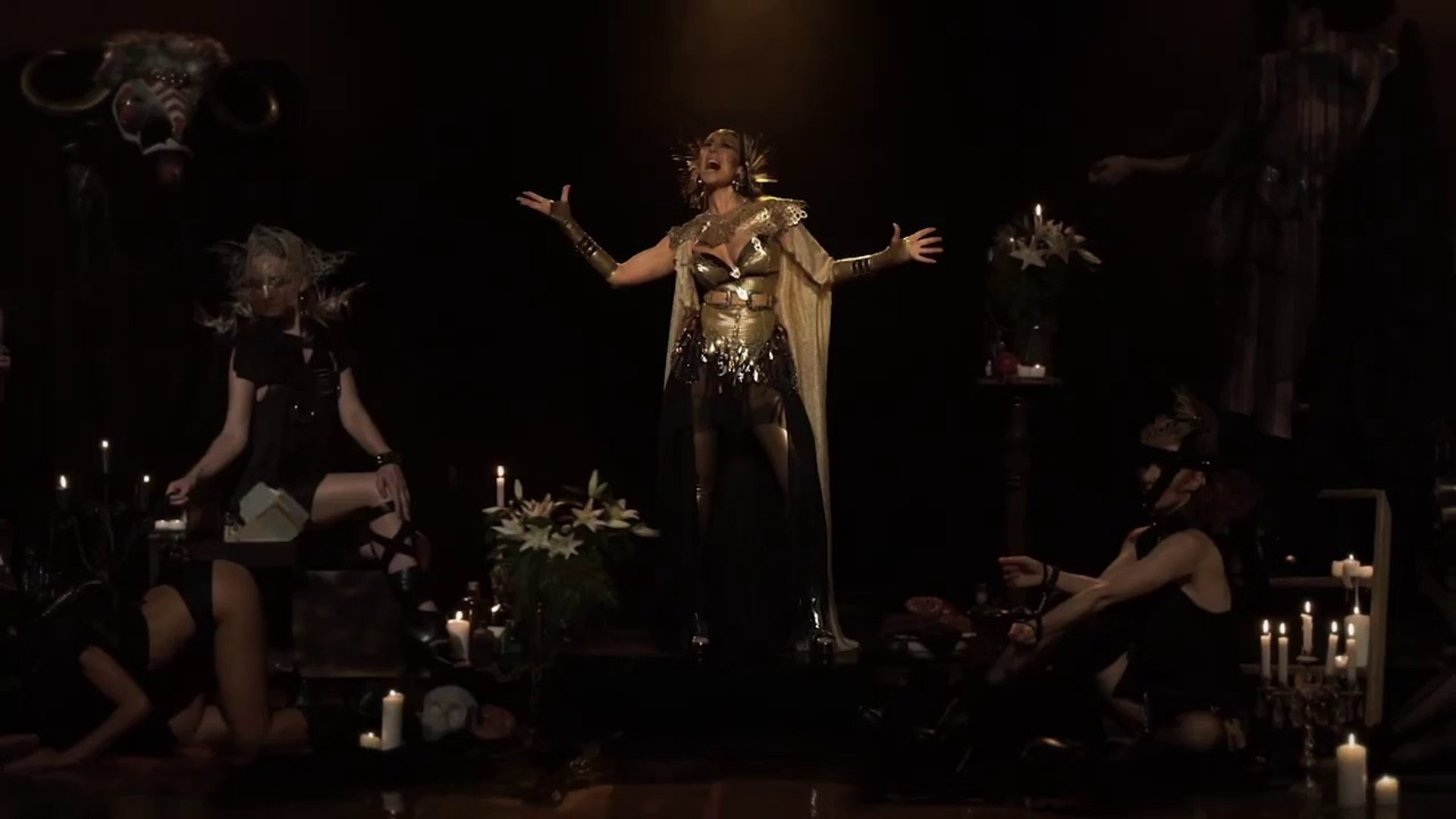 Mónica Naranjo juega a 'diosa del sexo' en 'Doble Corazón'